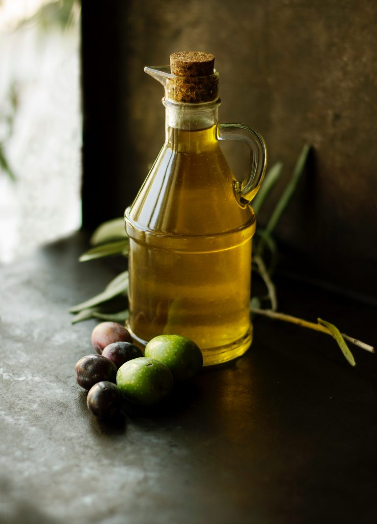 olive oil is the fundamental basis for the Sicilian kitchen
