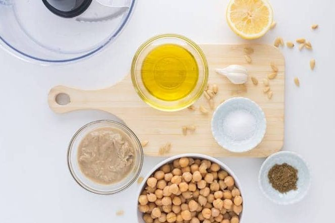 ingredients for hummus, chick peas, lemon, garlic, oil and tahini