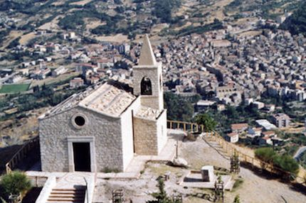 the small town of Santo Stefano Quisquina in Sicily, furnished water for the Nestlé company