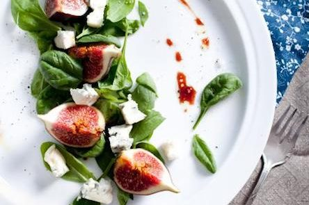 salad figs, goat cheese and balsamic vinegar