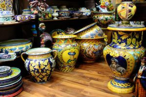 sciacca style pottery