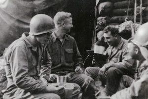American soldiers eating