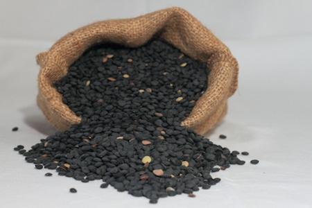 black lentils from Leonforte, lenticchie beluga