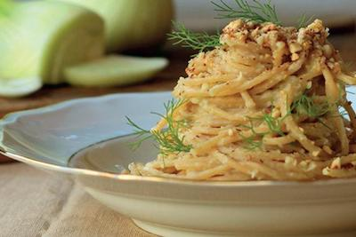 hazelnuts pesto with spaghetti