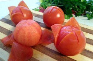 the basics: peeling a tomato