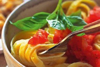 raw tomato pasta